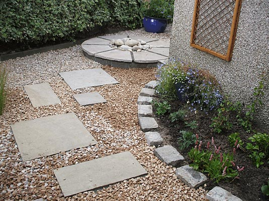 Garden gallery rococo plants and gardens for Courtyard landscaping perth